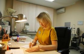 Врач-офтальмохирург Панкратова Анна Владимировна(выполняет операции по лечению катаракты)