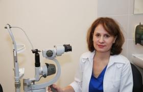 Врач-офтальмохирург Макаровская Оксана Владимировна (выполняет операции по лечению катаракты)
